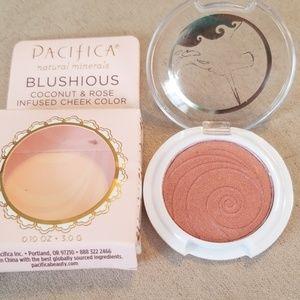 5/25 bundle Pacifica Blushious cheek color